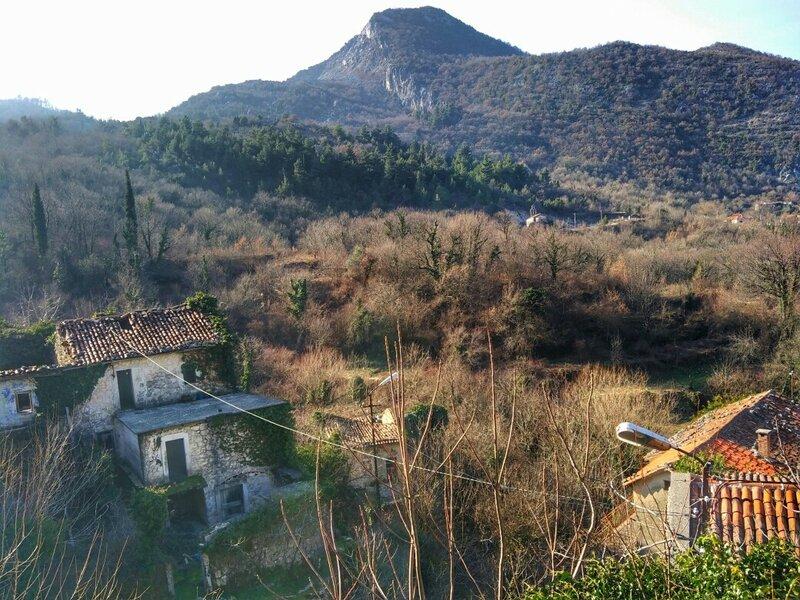 Деревня Годинье на Скадарском озере