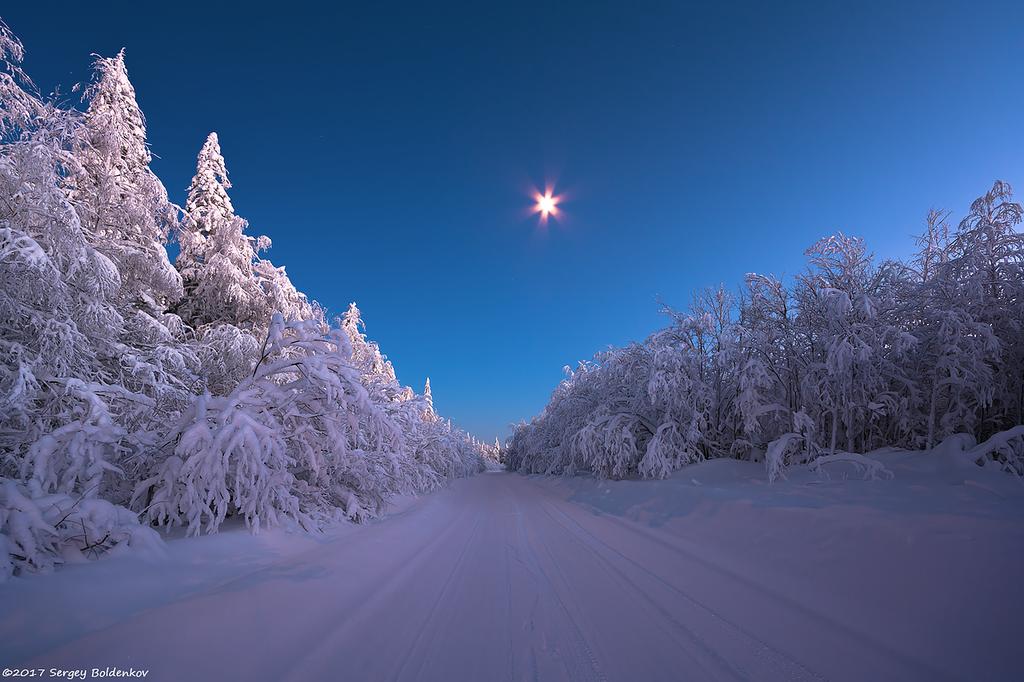 Рождественский вечер под Луной.