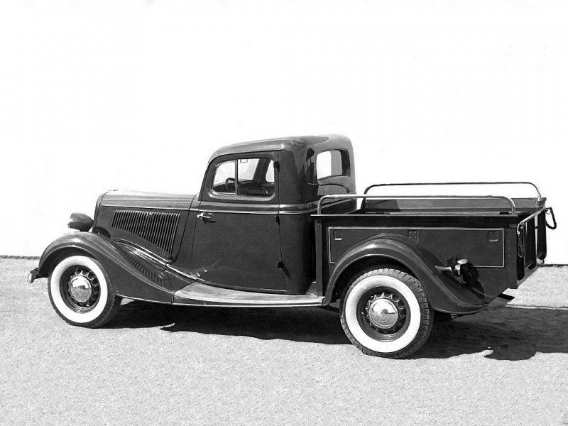 Было сделано более 5000 таких автомобилей, но в частные руки они попадали крайне редко. ЗАЗ-9