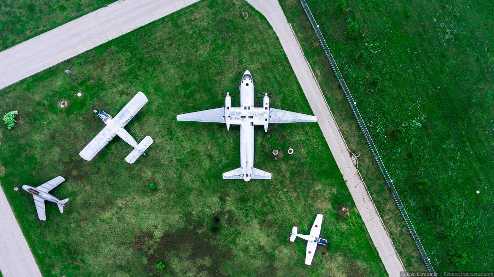 7. Ту-16, именно на его основе были созданы Ту-104 и Ту-124.