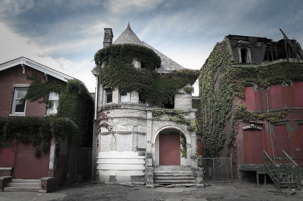 4. Этот расположенный в Детройте дом в округе называют домом с привидениями. В 1942 году здесь произ