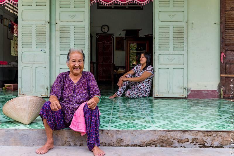54. Во Вьетнаме много буддийских храмов, и существует ошибочное мнение о том, что большинство