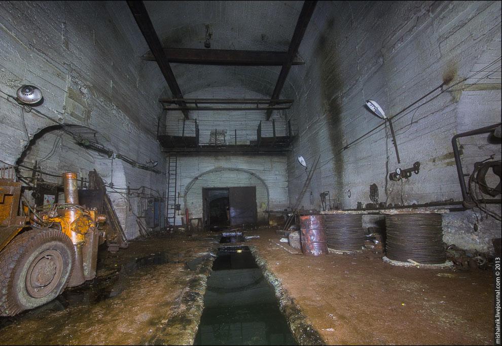 Когда-то станция включала в себя целый комплекс подземных цехов по ремонту и обслуживанию техни