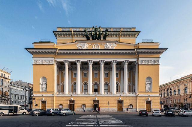 Билеты втеатры Петербурга продадут заполцены