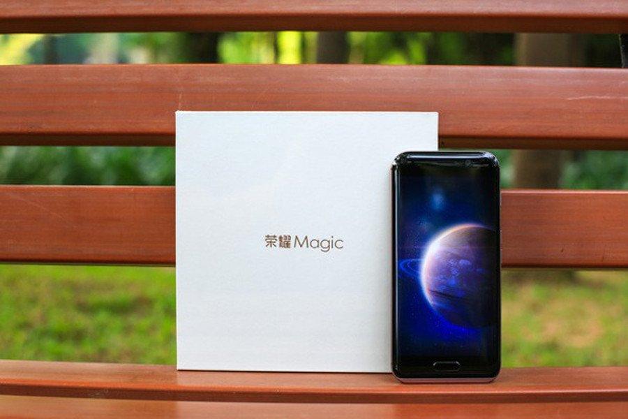 Huawei представит новый смартфон всамом начале января