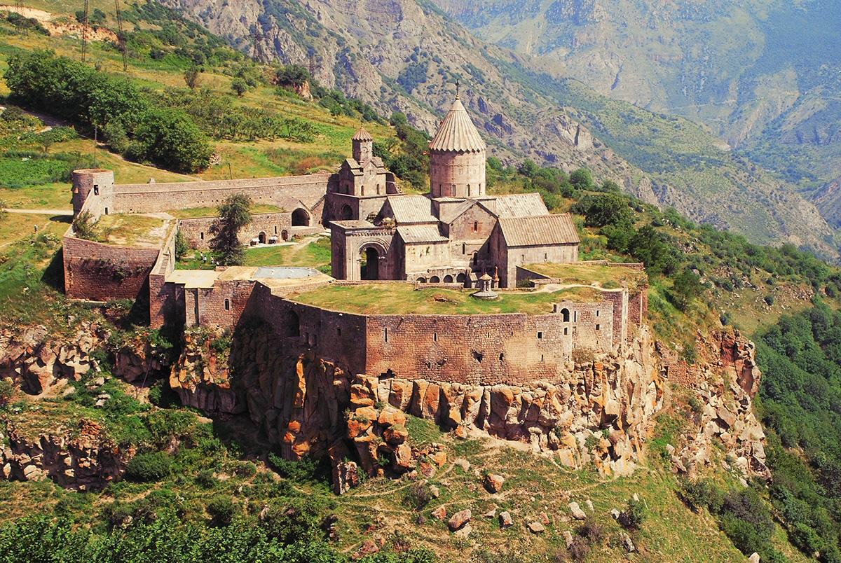 Русские туристы смогут посещать Армению без загранпаспорта