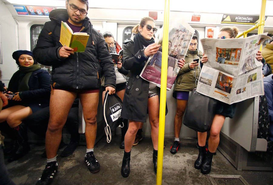 Funny Pictures of 2017 No Pants Day