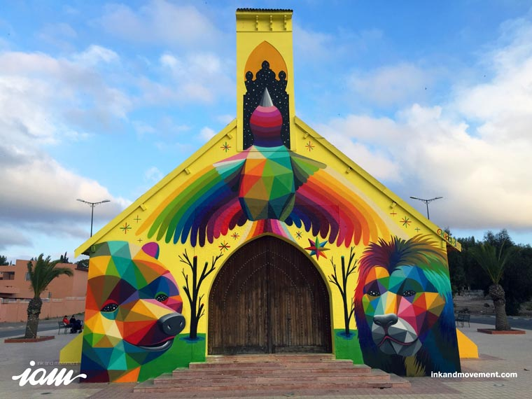 Street Art - Okuda decorates a new church with his colorful creations