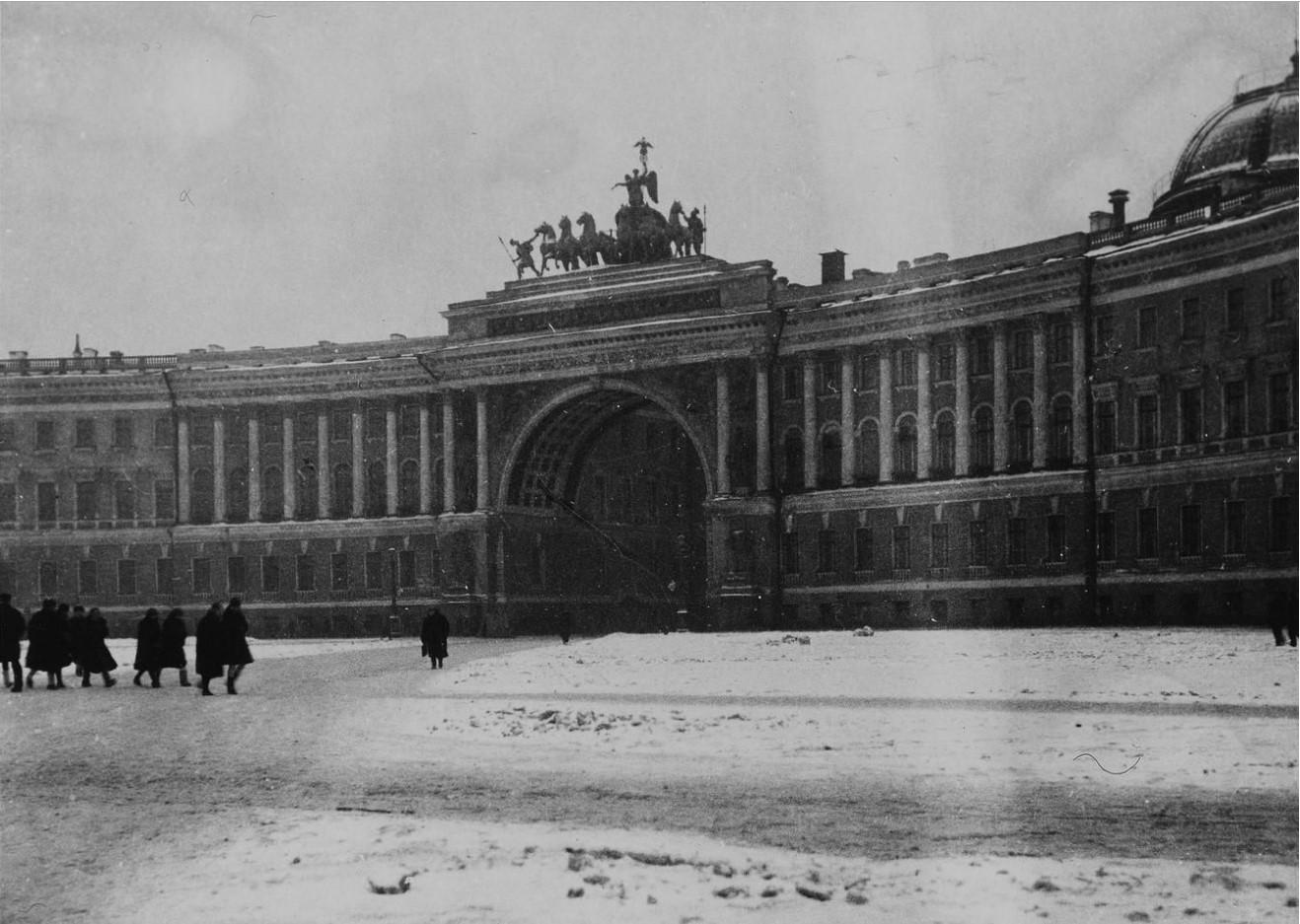 Дворцовая площадь (1930-е)