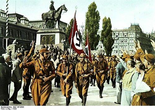 Хорст Вессель во главе его подразделения СА, Нюрнберг 1929 г.