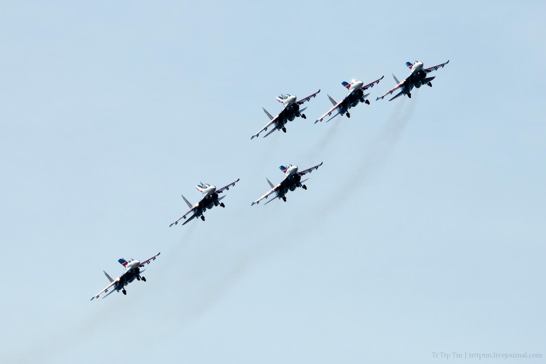 10. Военная авиация над Маркизовой лужей.
