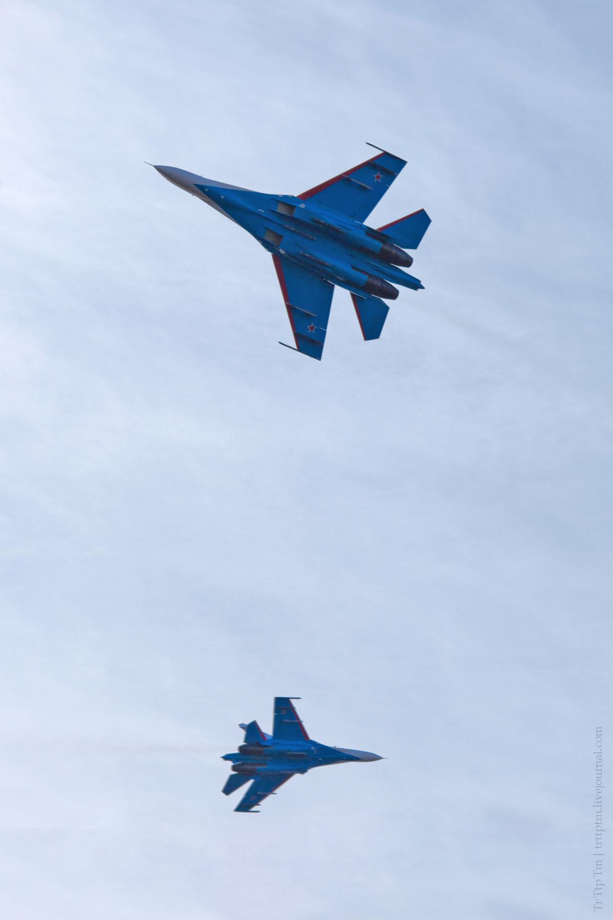 13. Военная авиация над Маркизовой лужей.