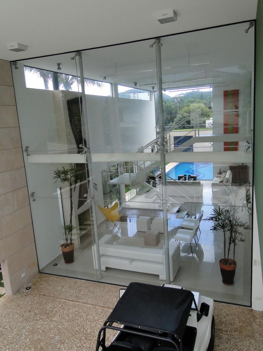 Впечатляющий Casa Acapulco в Бразилии