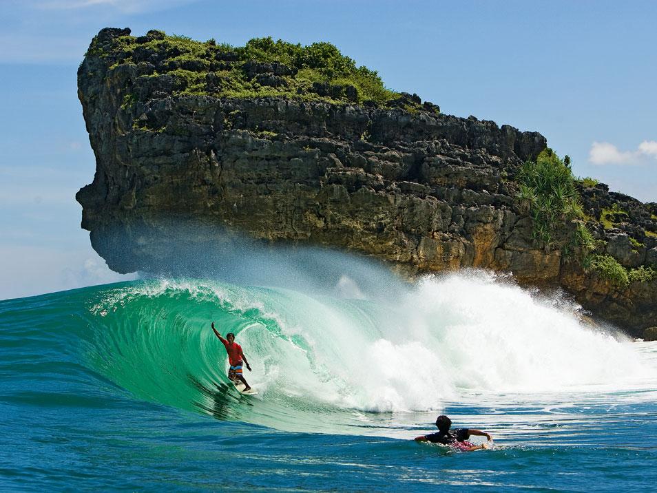 Захватывающие фотографии серфингистов