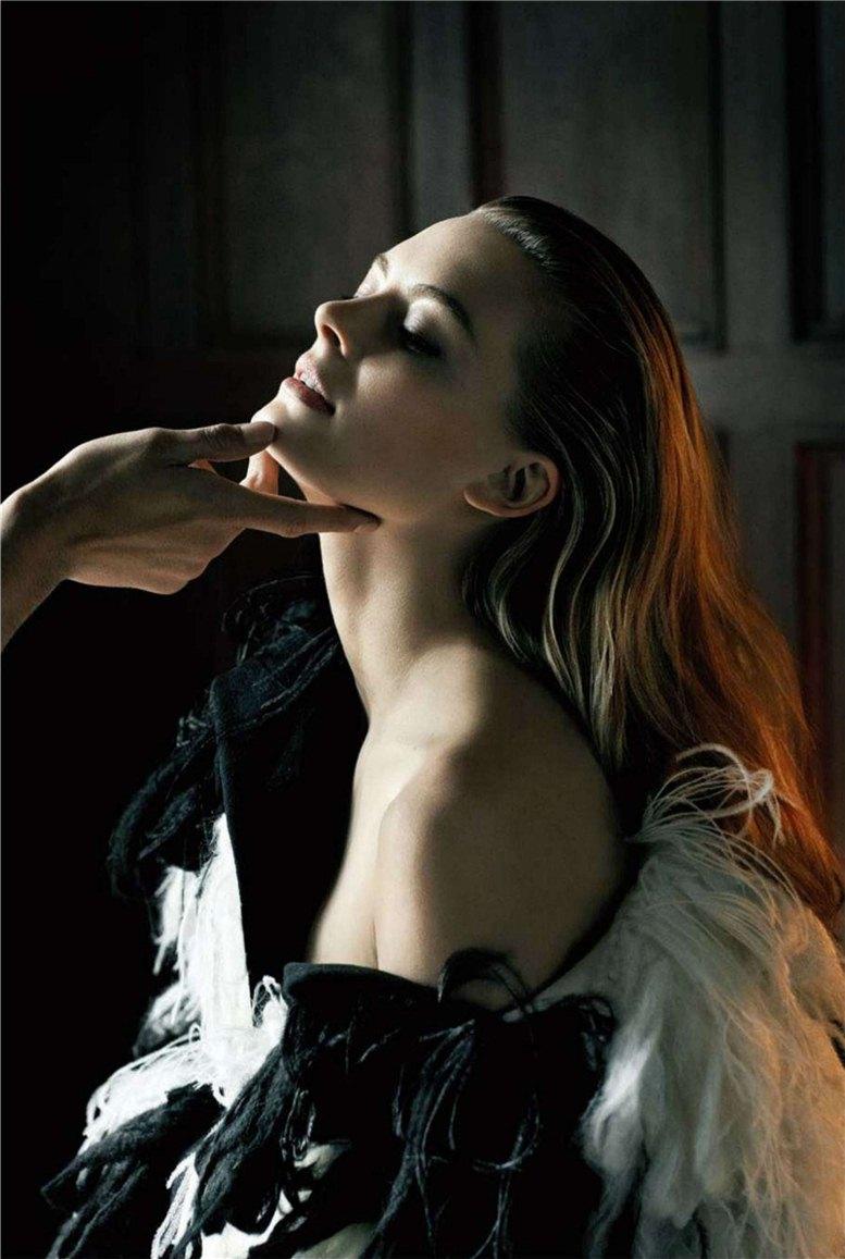 модель Джулия Дансталл / Julia Dunstall, фотограф Doug Inglish