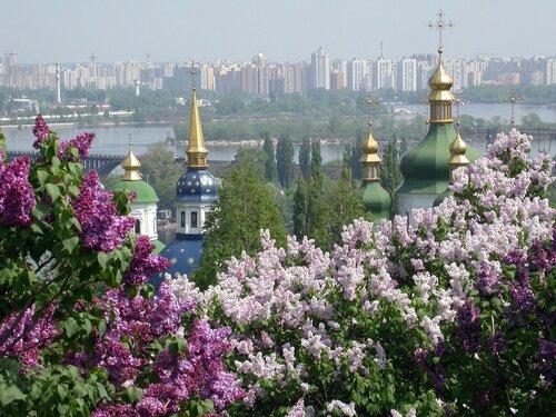 Город-герой Киев – столица Украины, шестой по населению город Европы