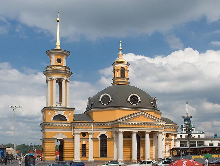 церковь у речного вокзала