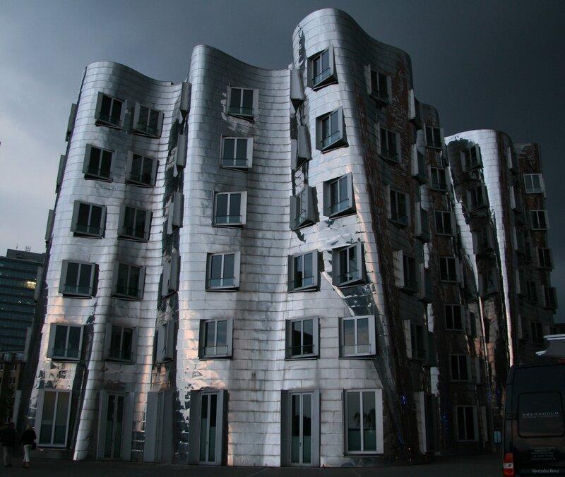 танцующие дома в дюссельдорфе
