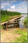 На озере Свирь лодка стоит...