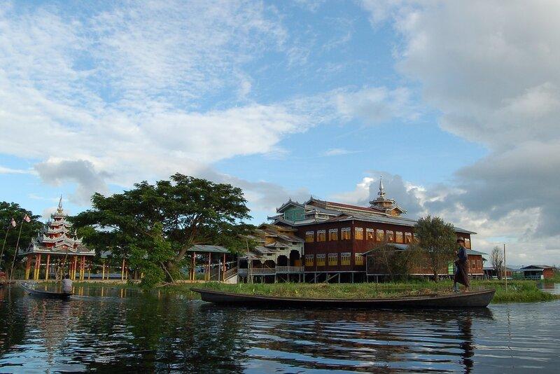 Озеро Инле.Храм пяти Будд