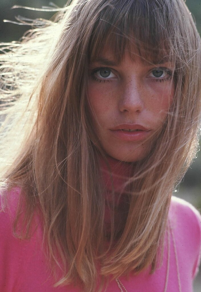 JANE BIRKIN PORTRAIT EXTERIEUR EN 1968