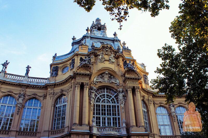 Здание дворца находится в прекрасном состоянии