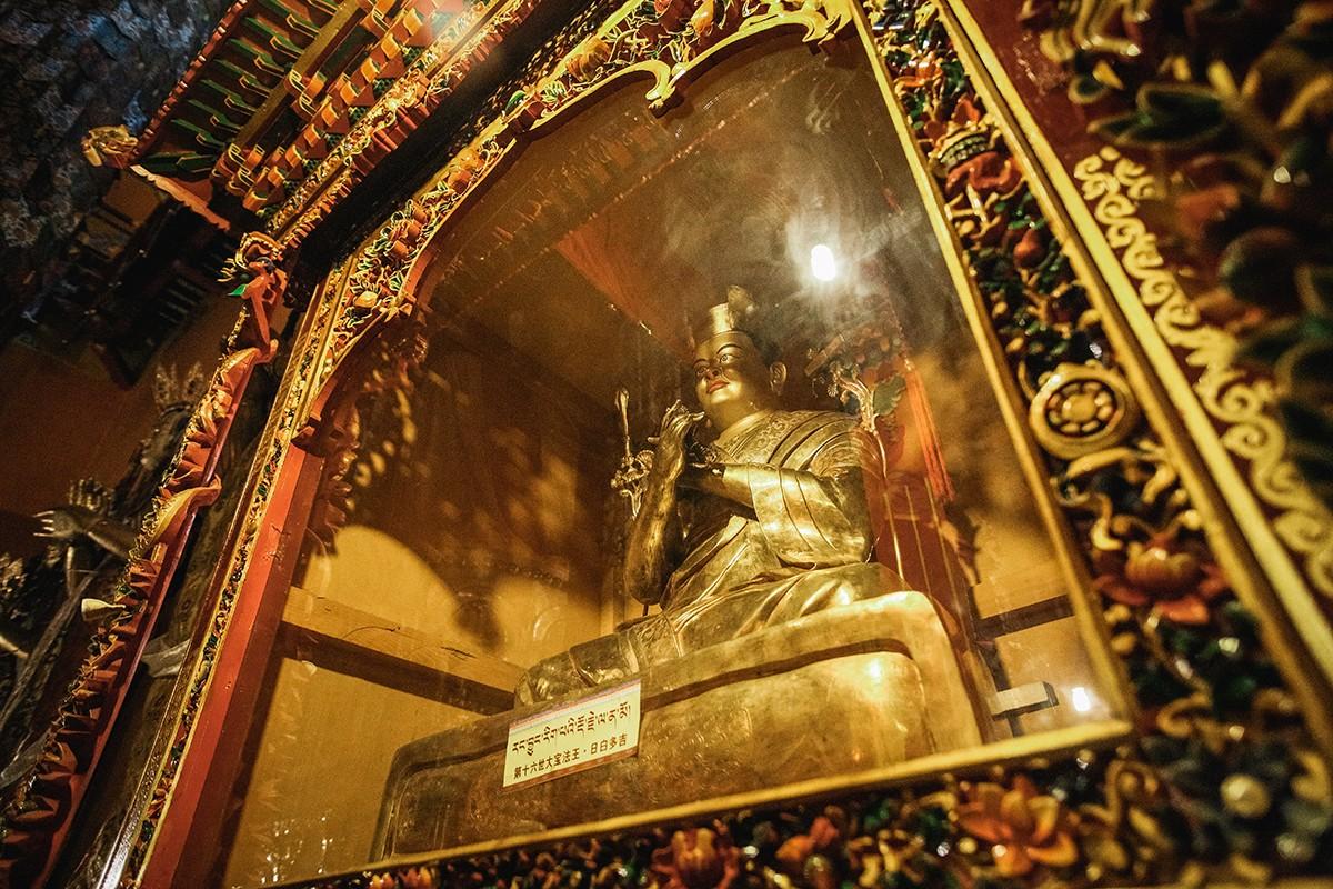 V-poiskax-volshebstva-zhemchuzhina-Tibeta--Curpxu-44-foto
