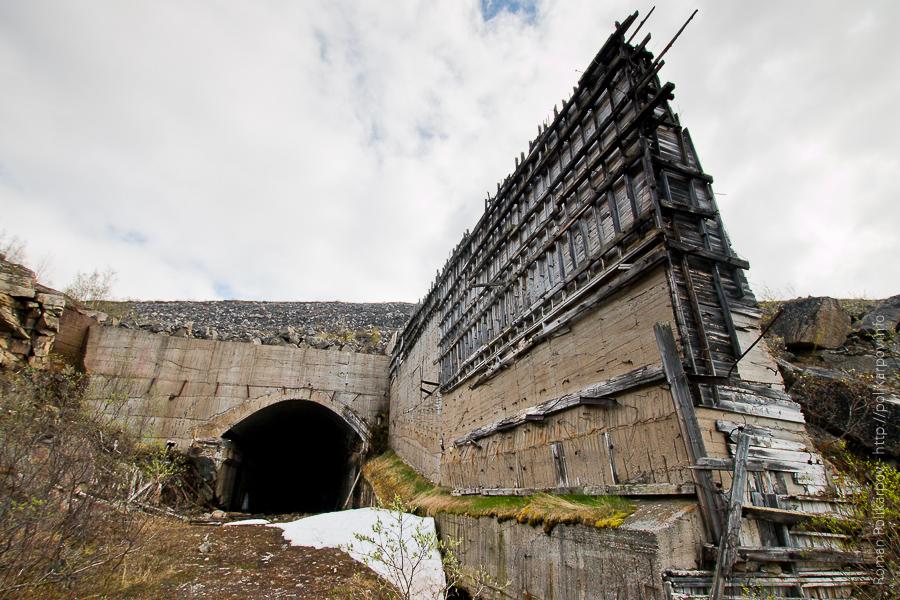 0 ccb66 85e03133 orig Прогулка по ГЭС в Териберке (Мурманская область)