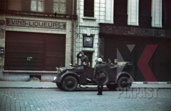 stock-photo-german-general-in-horch-901-staff-car-france-1940-4th-panzer-division-8777.jpg