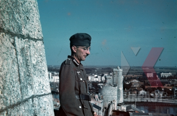 stock-photo-special-duties-german-soldier-castle-tower-of-the-latern-la-rochelle-france-summer-1940-7888.jpg