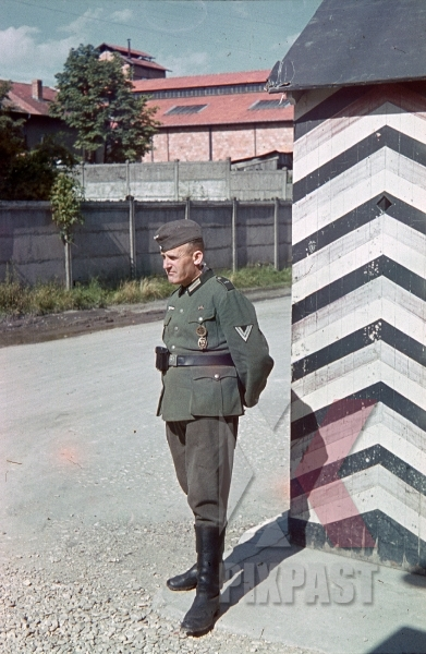stock-photo-wehrmacht-soldier-guard-duty-france-1940-9310.jpg