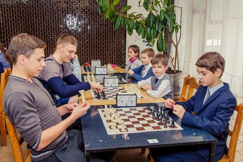 Городской шахматный турнир. Наши справа