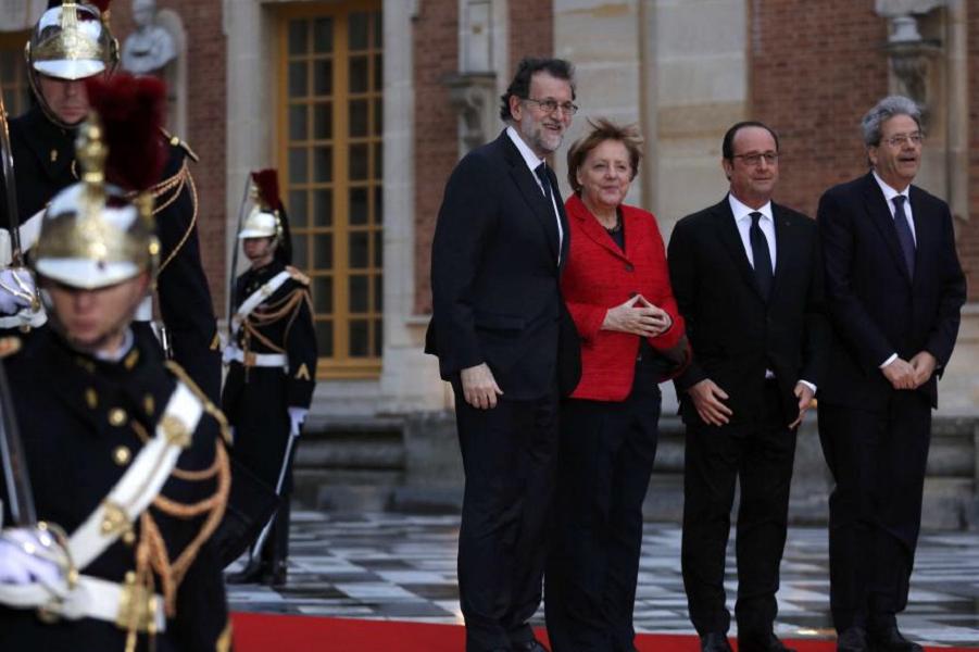 Версальская встреча.png
