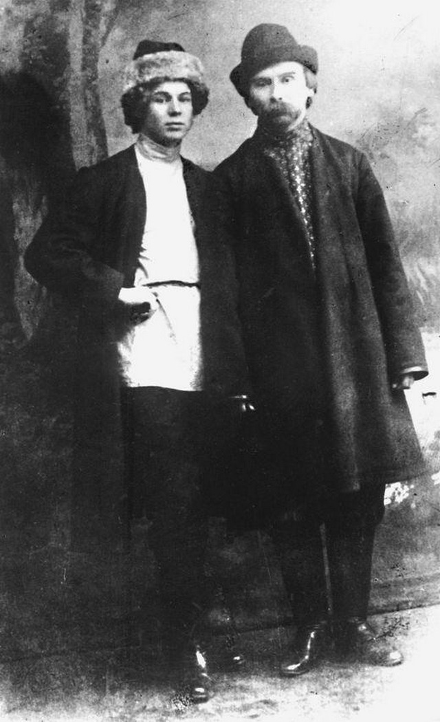 Сергей Есенин с Леонидом Каннегисером, убийцей Моисея Урицкого, 1915 год