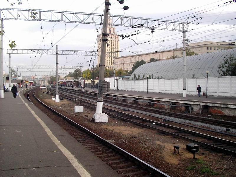 Мужчина иженщина попали под поезд Владикавказ— Петербург в столице
