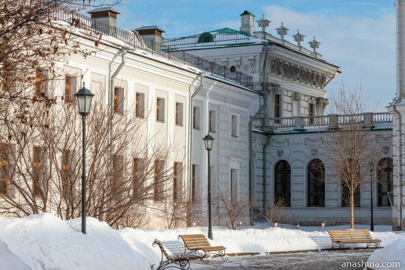 Переход и флигель (бывшая конюшня), дом Пашкова