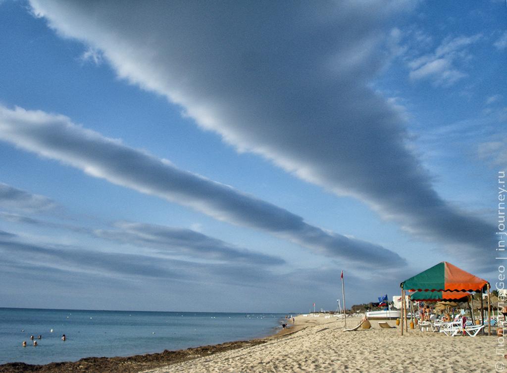 небо над Тунисом