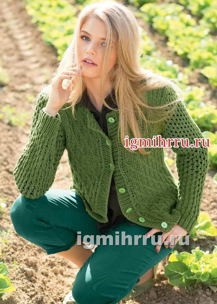 Жакет оливкового цвета с сетчатым и рельефным узорами. Вязание спицами