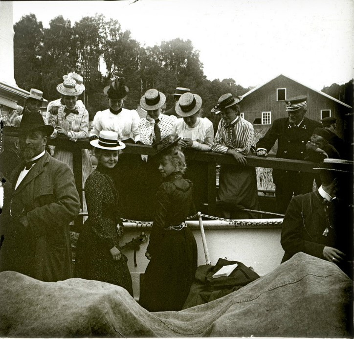 1901. Проводы отъезжающих на пароходе. Норвегия. Путешествие по фьордам