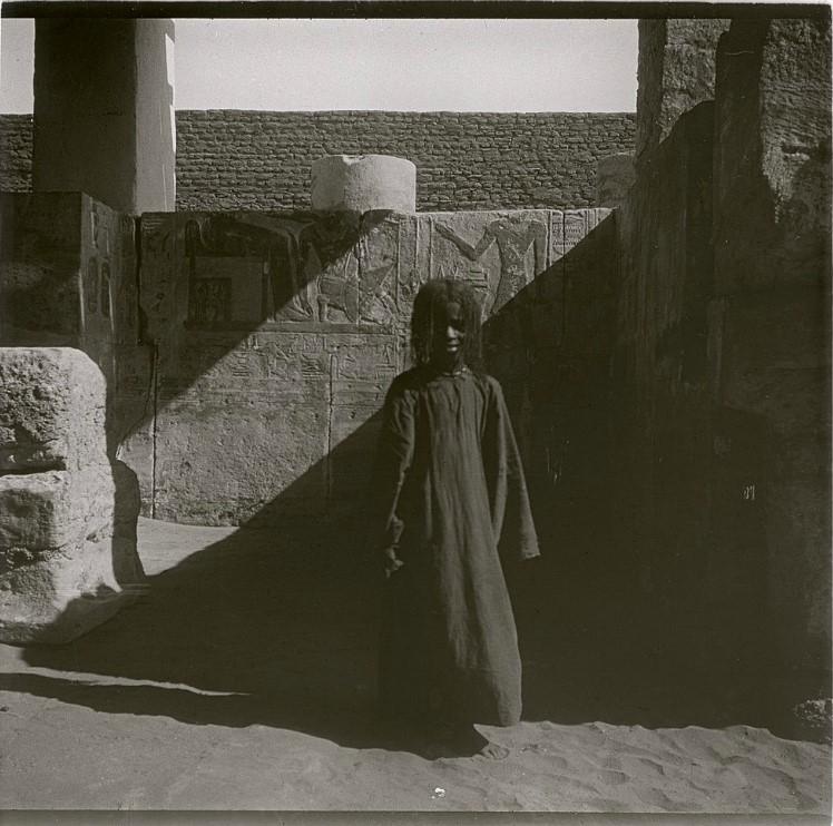 1910. «Большая девочка Айша». Судан. Окрестности Вади-Хальфы