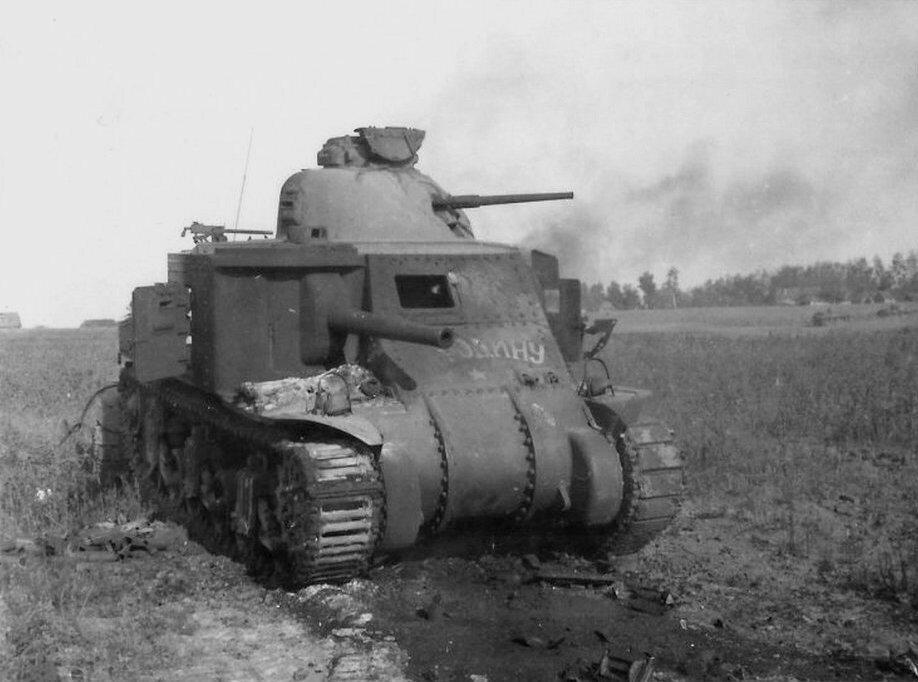"""Подбитый советский танк М3с """"Ли"""" """"За Родину"""" из 192-й тбр. Орловская обл., июль 1942 года."""