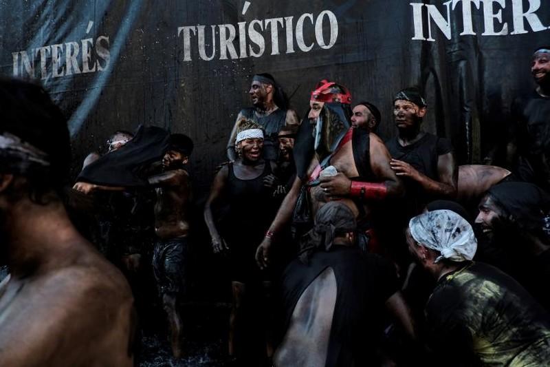 Испанский фестиваль Cascamorras
