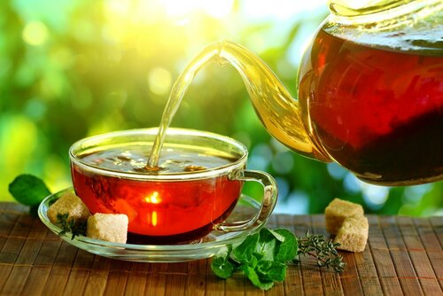 tea-sugar-pieces-mint-kettle-welding-mat-table-light-sun.jpg
