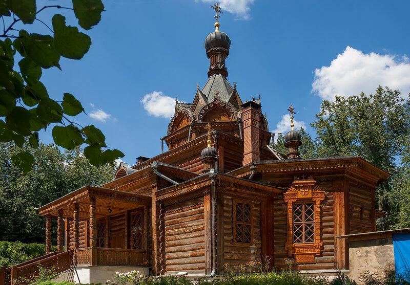 Храм святителя Тихона Задонского в Сокольниках