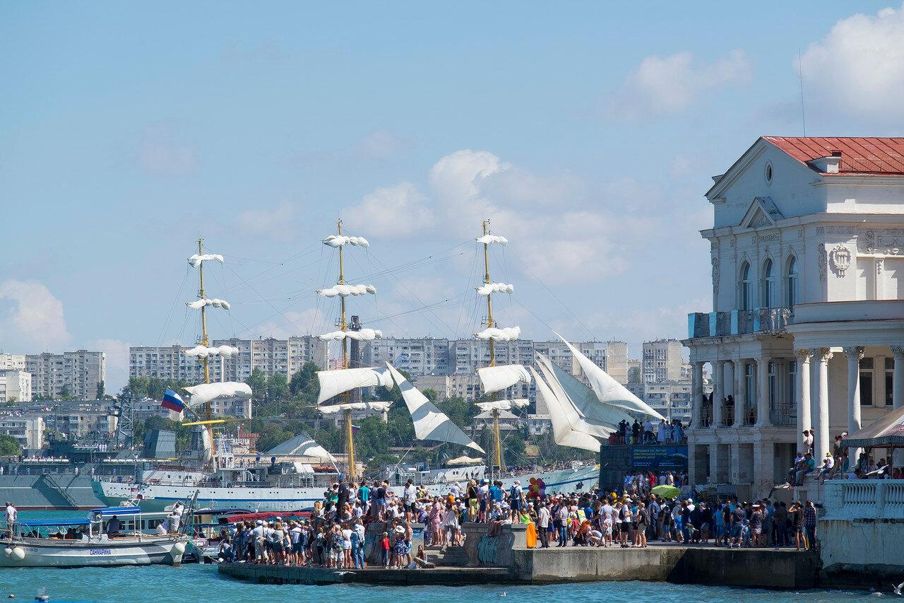 Севастополь бросил вызов всей России