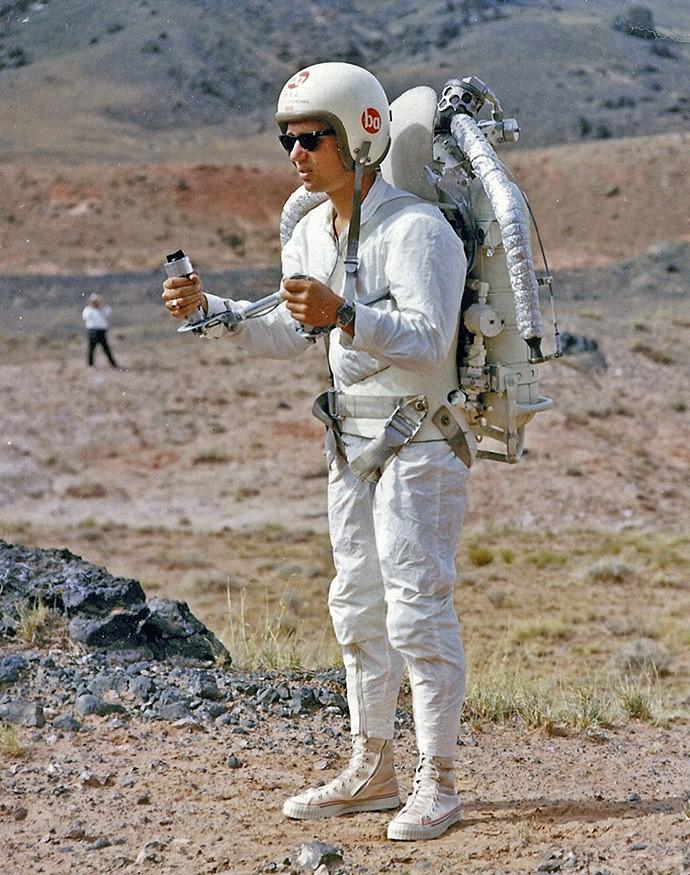 6. «Первопроходец» среди ракетных ранцев отличался невероятной «прожорливостью»: на полет длительнос