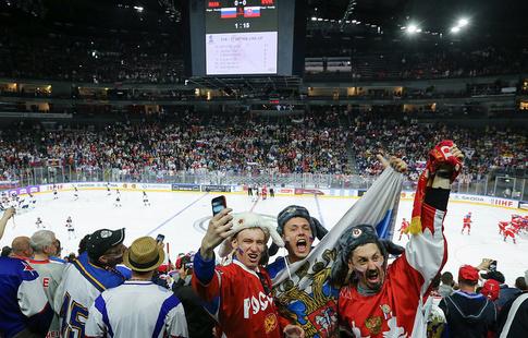 Средняя посещаемость матчей хоккейногоЧМ вКельне 13,5 тыс. созерцателей