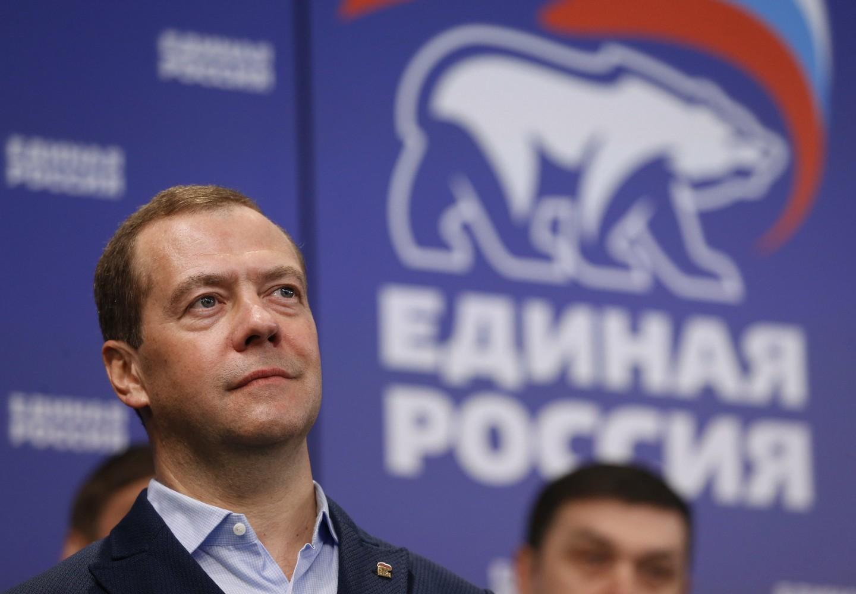 Медведев рассказал, что вшколе мог подтянуться 30 раз