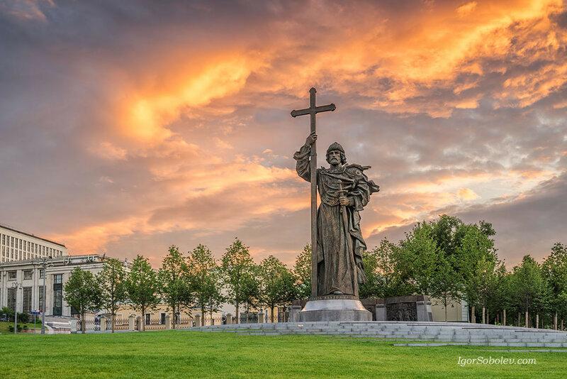 Памятник святому князю Владимиру Великому
