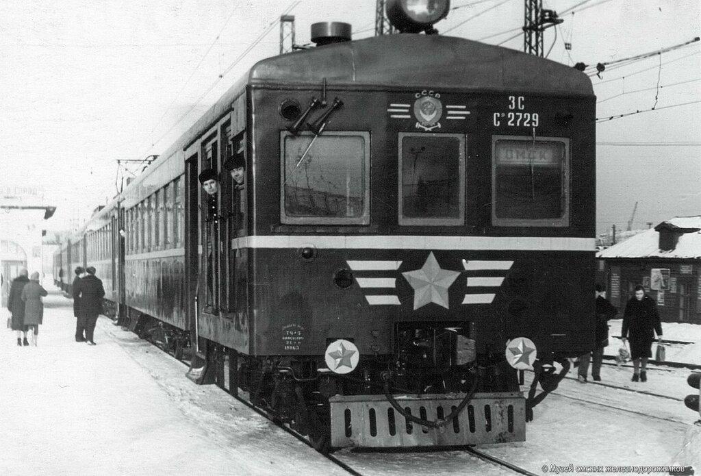 226654 Электропоезд Ср на ст.Омск.jpg 1962.jpg